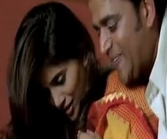 Hot sex Scene Sonali Kulkarni almost saree with Ravi Kishen