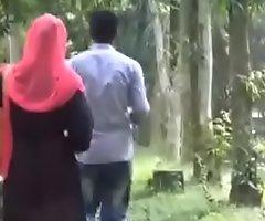 Bangladesh-Dhanmondi lake park coitus scandle