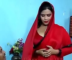 Hot dealings blear be useful to bhabhi in Red-hot saree wi - YouTube.MP4