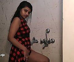desi college girl alia advani taking shower